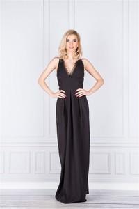 Sukienka Pawelczyk24.pl bez rękawów z dekoltem w kształcie litery v
