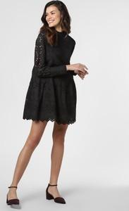 Czarna sukienka Vero Moda w stylu casual