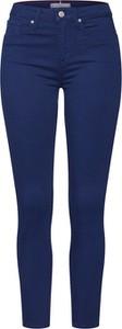 Niebieskie jeansy Tommy Hilfiger w street stylu z tkaniny