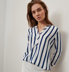 Bluzka Reserved z długim rękawem z dekoltem w kształcie litery v w stylu casual