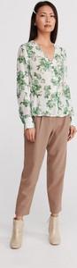Bluzka Reserved z dekoltem w kształcie litery v w stylu casual z długim rękawem