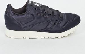 Granatowe buty sportowe Reebok Classic z płaską podeszwą