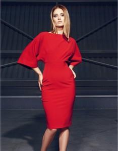 Czerwona sukienka Kasia Zapała midi z długim rękawem