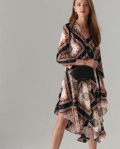 Sukienka Mohito z dekoltem w kształcie litery v midi