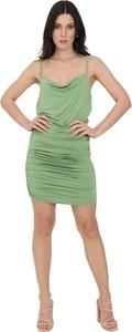 Zielona sukienka Dramée na ramiączkach dopasowana z dekoltem w kształcie litery v