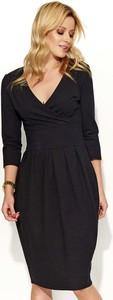 Czarna sukienka Makadamia z długim rękawem w stylu casual midi