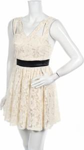 Sukienka Miss Fashion rozkloszowana