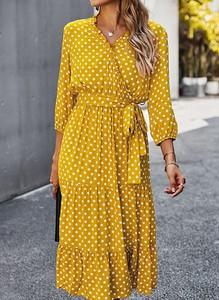Żółta sukienka Sandbella midi w stylu casual