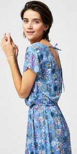 Sukienka Moodo z dekoltem na plecach maxi w stylu casual