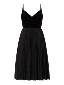 Czarna sukienka Jake*s Cocktail na ramiączkach z tiulu