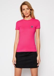 Różowy t-shirt Guess z krótkim rękawem z okrągłym dekoltem