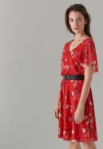 4316ebfae7 Czerwona sukienka Mohito z krótkim rękawem z dekoltem w kształcie litery v