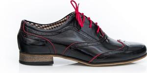 Półbuty Zapato z płaską podeszwą w stylu boho