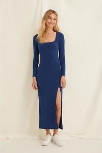 Sukienka NA-KD z długim rękawem z dekoltem w kształcie litery v maxi