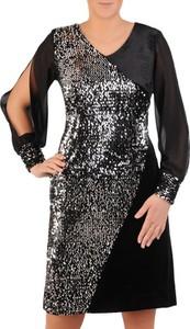 Sukienka Modbis z długim rękawem z dekoltem w łódkę prosta