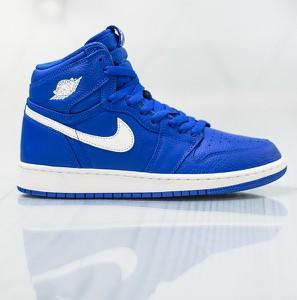 78b39c79fd6a Niebieskie buty sportowe Jordan na koturnie w sportowym stylu