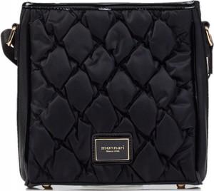 Czarna torebka Monnari pikowana w stylu glamour średnia