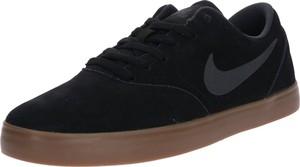 Czarne buty sportowe Nike ze skóry w sportowym stylu