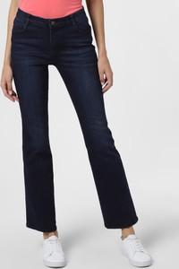 Granatowe jeansy Marie Lund w street stylu
