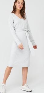 Sukienka V by Very z dekoltem w kształcie litery v z długim rękawem w stylu casual
