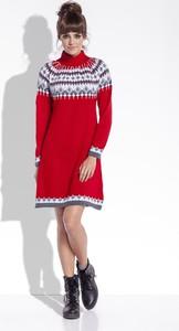 Czerwona sukienka TAGLESS w stylu skandynawskim w stylu casual trapezowa