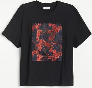 Czarny t-shirt Reserved w młodzieżowym stylu z bawełny z krótkim rękawem
