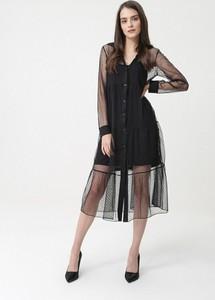 Czarna sukienka born2be koszulowa midi z długim rękawem