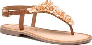 Sandały GIOSEPPO z klamrami w stylu casual z płaską podeszwą