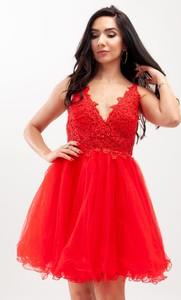 Czerwona sukienka Butik Ecru na ramiączkach rozkloszowana mini