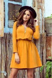 Żółta sukienka NUMOCO z długim rękawem