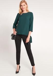 Zielona bluzka QUIOSQUE z długim rękawem z okrągłym dekoltem w stylu casual