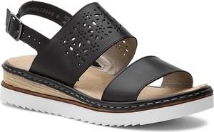 Czarne sandały Rieker z klamrami na średnim obcasie na koturnie