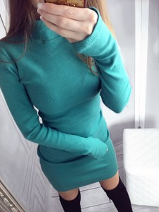 Niebieska sukienka Yasmin Boutique midi z długim rękawem w stylu casual