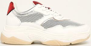 Buty sportowe S.Oliver sznurowane na platformie
