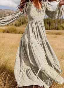 Sukienka Sandbella z długim rękawem maxi z dekoltem w kształcie litery v