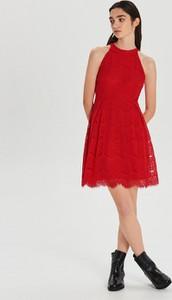 Czerwona sukienka Cropp