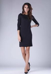 Czarna sukienka Nommo z okrągłym dekoltem dopasowana