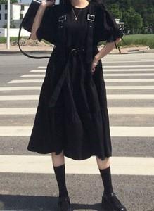 Czarna sukienka Arilook z bawełny z długim rękawem midi