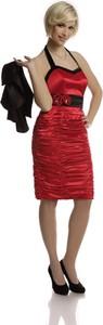 Czerwona sukienka Fokus z dekoltem w karo dopasowana