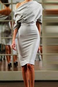 Sukienka Ivet.pl z długim rękawem ołówkowa w sportowym stylu