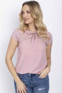 Różowa bluzka Royalfashion.pl w stylu casual z krótkim rękawem