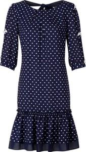 Sukienka Poza z tkaniny w stylu casual z długim rękawem