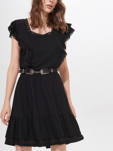 Czarna sukienka Mohito z krótkim rękawem