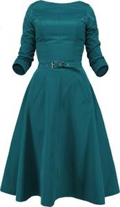 Czerwona sukienka Camill Fashion rozkloszowana z długim rękawem midi