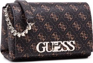 Brązowa torebka Guess na ramię z nadrukiem średnia