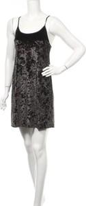 Czarna sukienka Victoria's Secret z okrągłym dekoltem