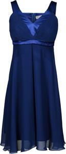 Granatowa sukienka Fokus z szyfonu rozkloszowana