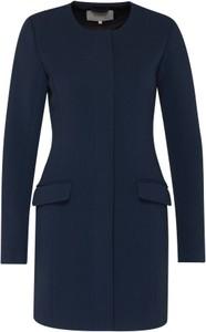 Płaszcz vila w stylu klasycznym