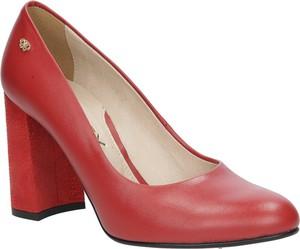 Czerwone czółenka Oleksy na obcasie w stylu klasycznym ze skóry