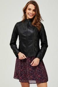 Czarna kurtka Moodo ze skóry krótka w stylu casual
